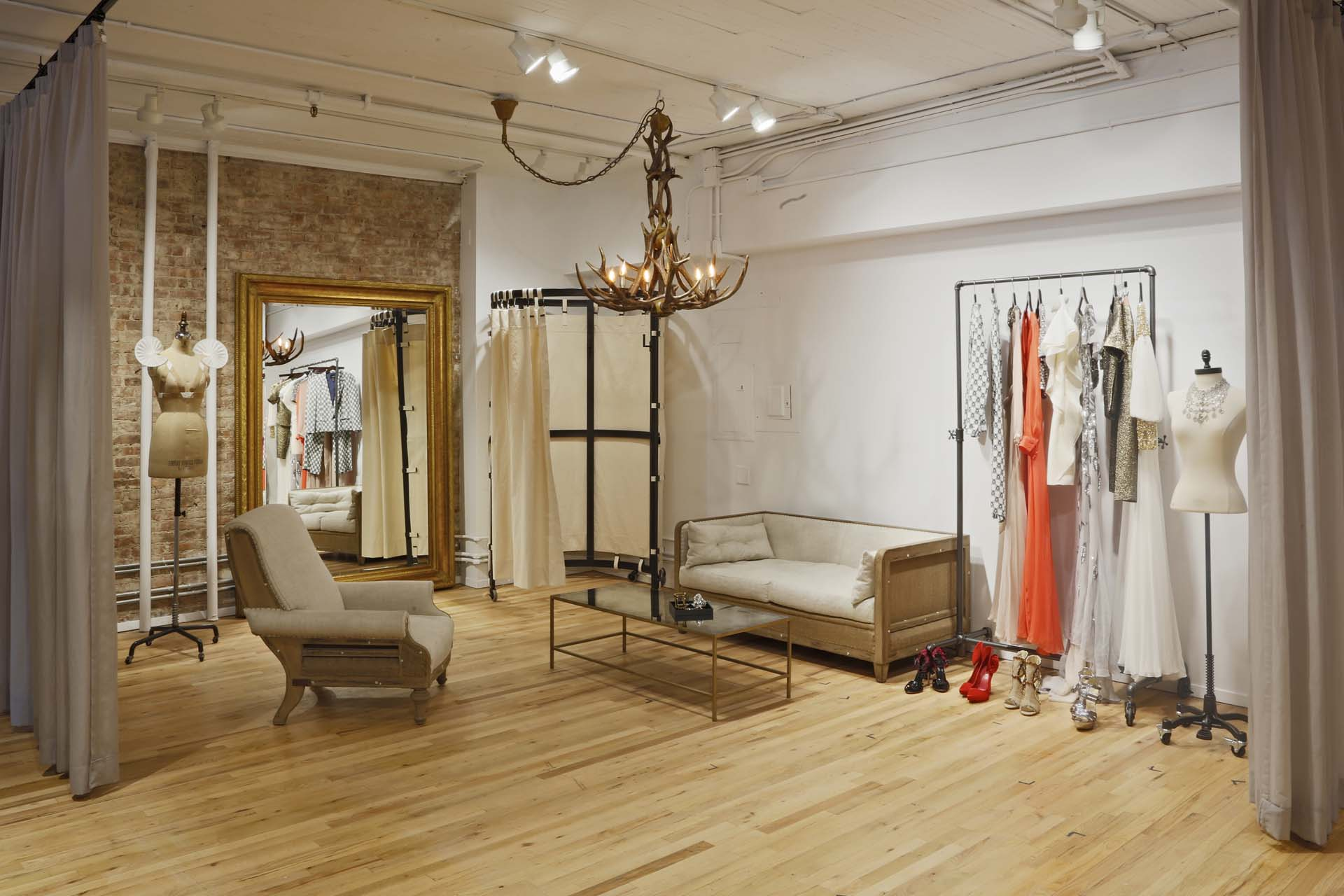 Mahna Clothes Retail Design Wood Interior Vintage Soho Pop