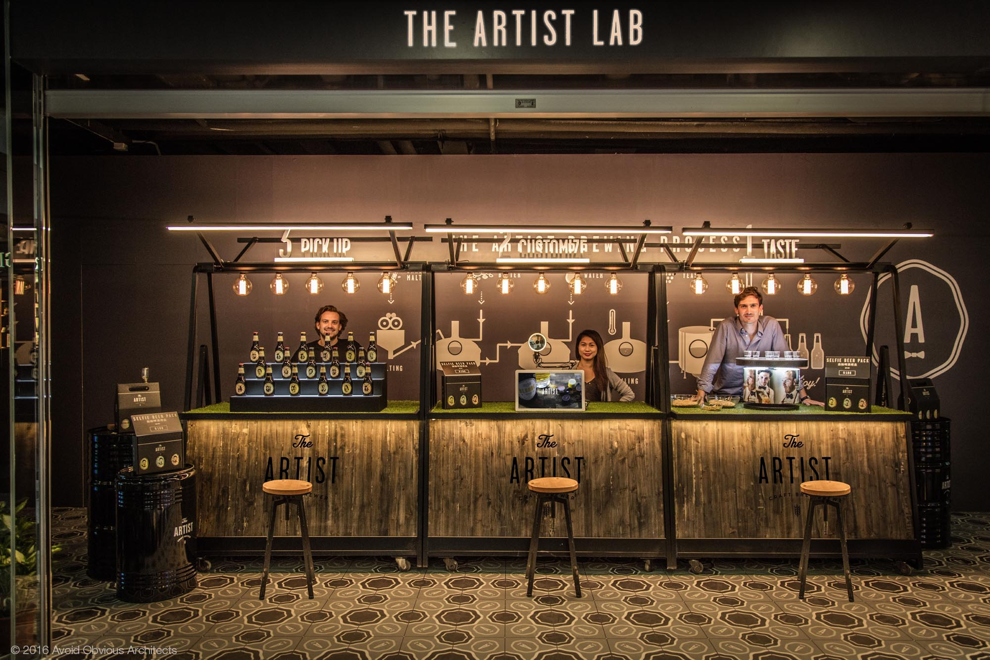 mobile bar, craft beer, the artist, avoid obvious, architecture, interior design, vintage, sustainable, bar, beer, beligum, retail, experiential, future, customization, customed